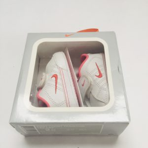 Sneakers First Court Tradition Nike 3-6m / maat 17