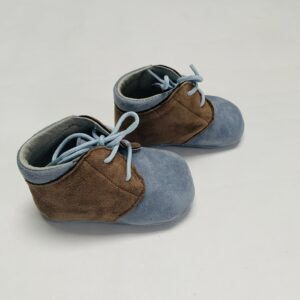 Schoentjes daim blauw/bruin Tricati maat 17
