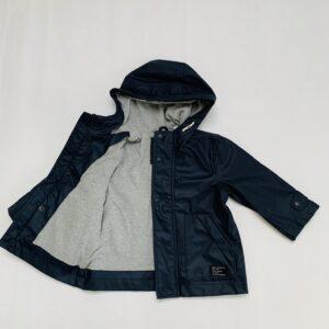 Regenjasje waxed raincoat donkerblauw Zara 9-12m