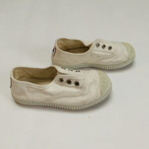 Slipons wit Cienta maat 26