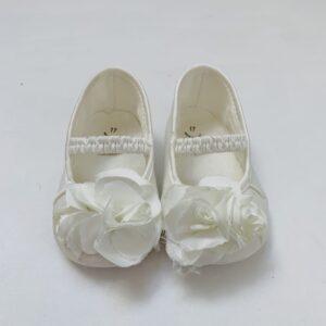 Babyschoentjes wit flower Monnalisa maat 17