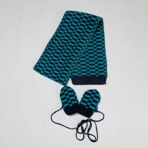 Sjaal + wantjes groen geblokt JBC 86