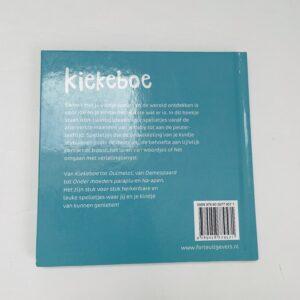 Boekje spelen met je baby 'kiekeboe'